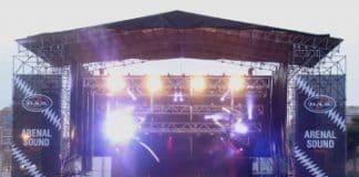 Pleno de los sistemas D.A.S. en Arenal Sound 2.011