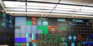 Cómo establecer las necesidades de brillo al diseñar un videowall de sala de control
