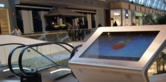 La empresa DEIMPACTO INTERACTIVE ha instalado en el Centro Comercial Puerto Venecia diez directorios interactivos de última generación
