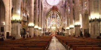 Las columnas digitales de Fohhn Audio, mejoran la inteligibilidad en la Catedral de Palma de Mallorca.