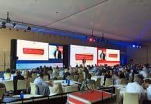 92 m2 de pantalla de LEDs Absen protagonistas en el  simposio de Henry Schein Orthodontics en Barcelona