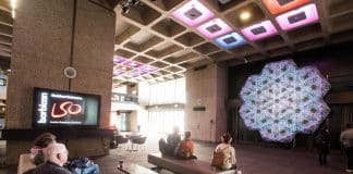 Proyectores de la Serie HS de Christie, Numina, premio de arte digital
