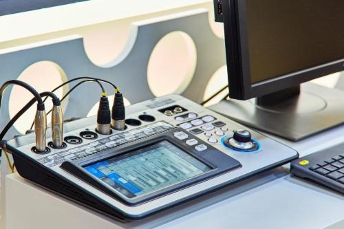 Equipos de sonido para directo QSC 6