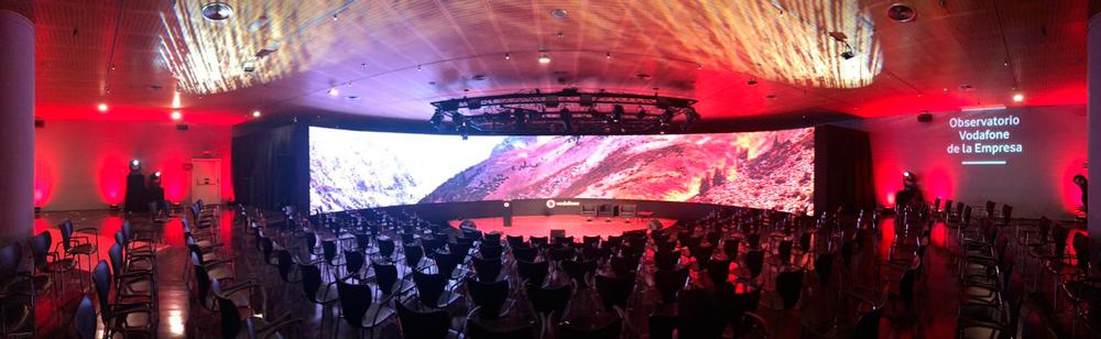pantalla LED curva de gran formato SONO 3